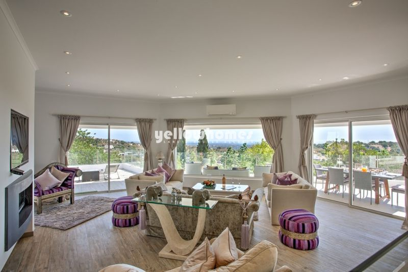Boliqueime 5 bedroom contemporary villa with country and sea views